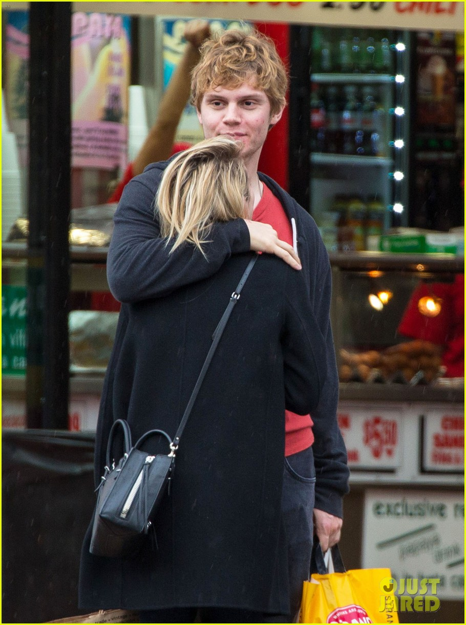 emma roberts evan peters look so in love in new york city 02