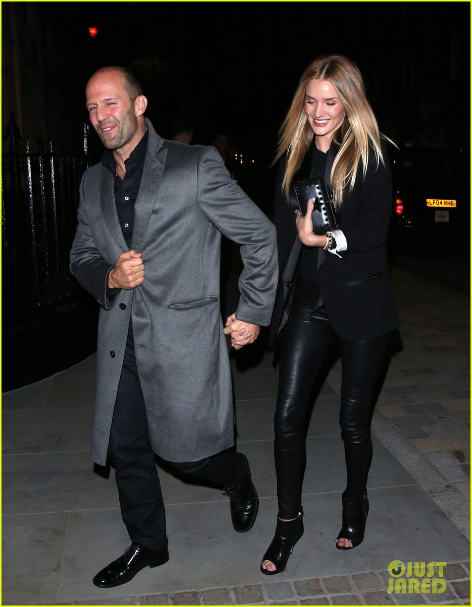 rosie huntington whiteley jason statham london backseat smooches 20