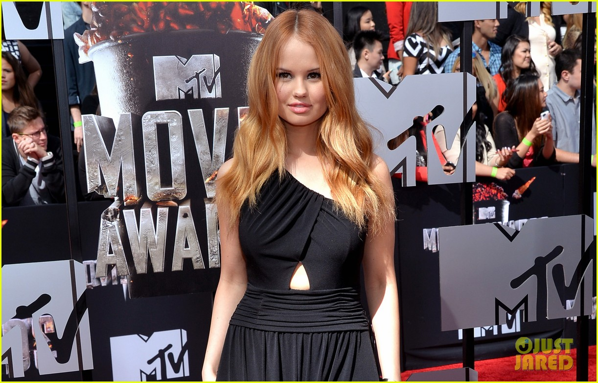 debby ryan rocks one shoulder look at mtv movie awards 2014 053091044