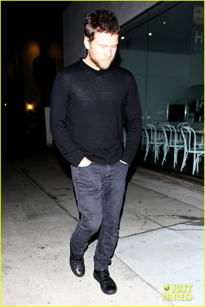 sam worthington lands next new movie role in jennifer anistons cake 09