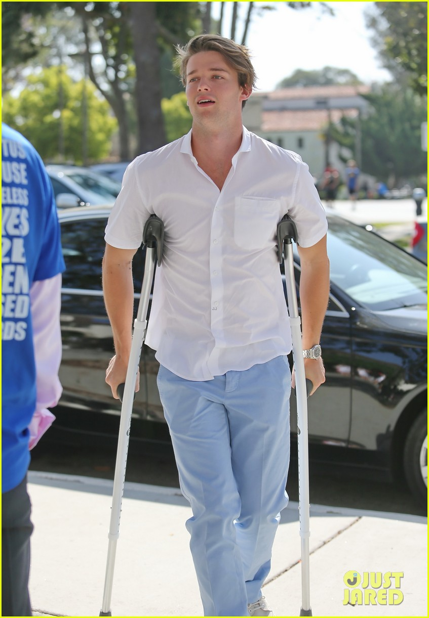patrick schwarzenegger crutches easter sunday 073096343