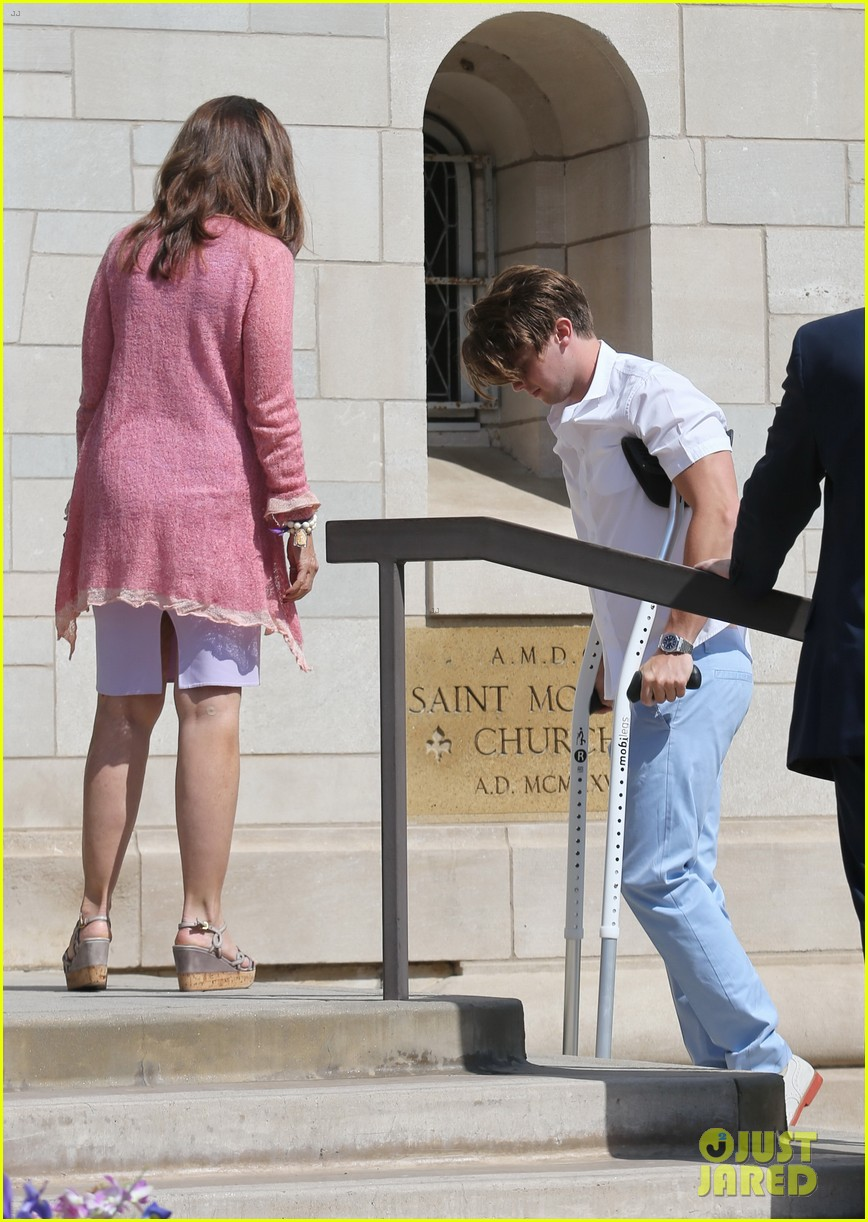 patrick schwarzenegger crutches easter sunday 09