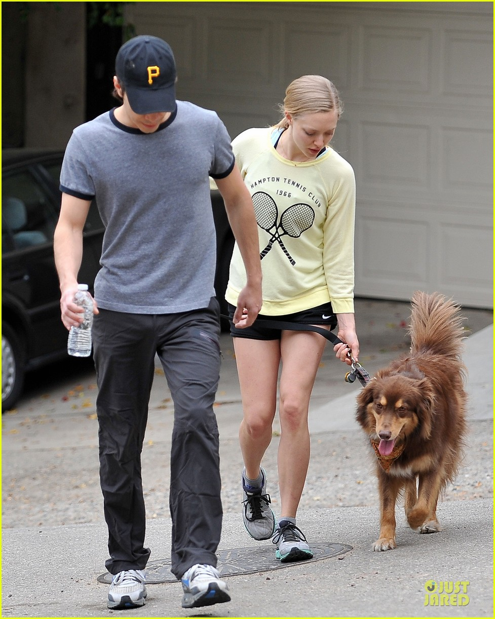 amanda seyfried working out with justin long 05