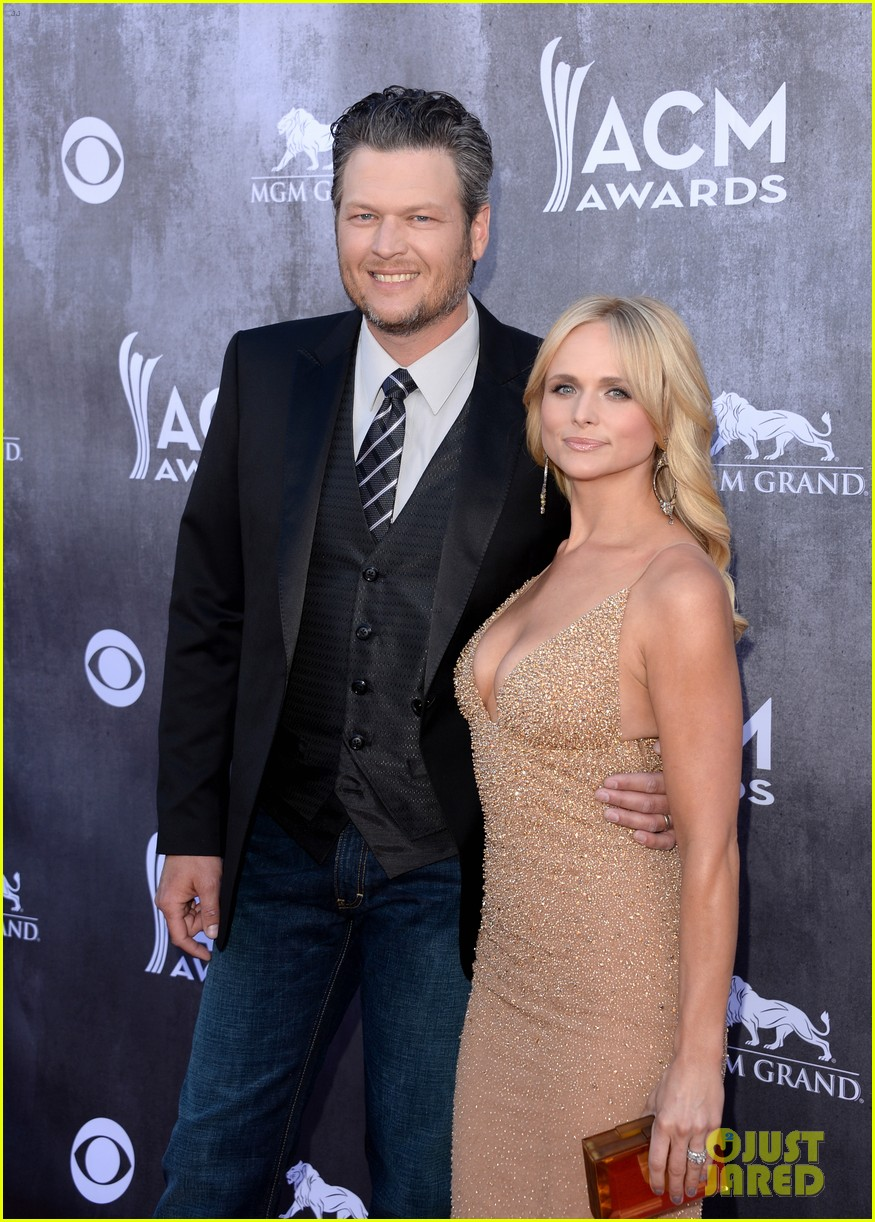 blake shelton miranda lambert acm awards 2014 red carpet 113085735