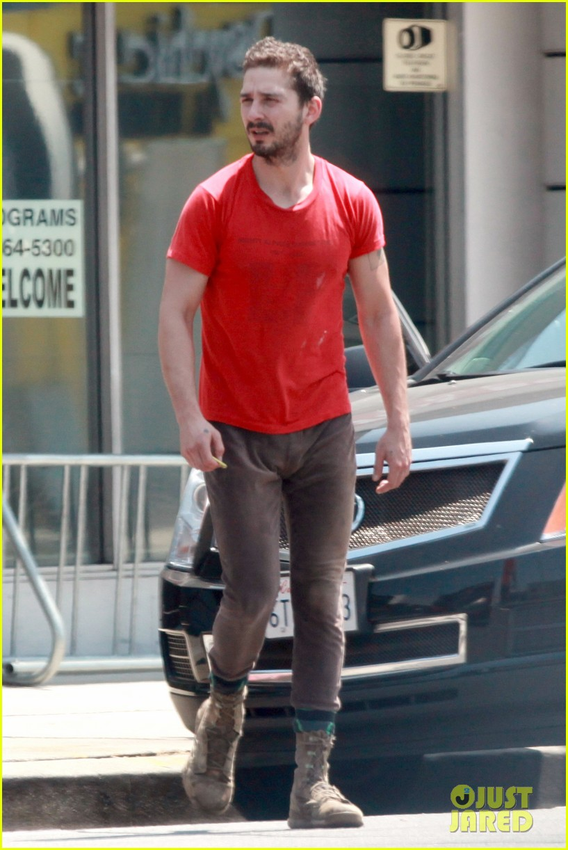shia labeouf wears one of his favorite outfits for gym workout 143097442