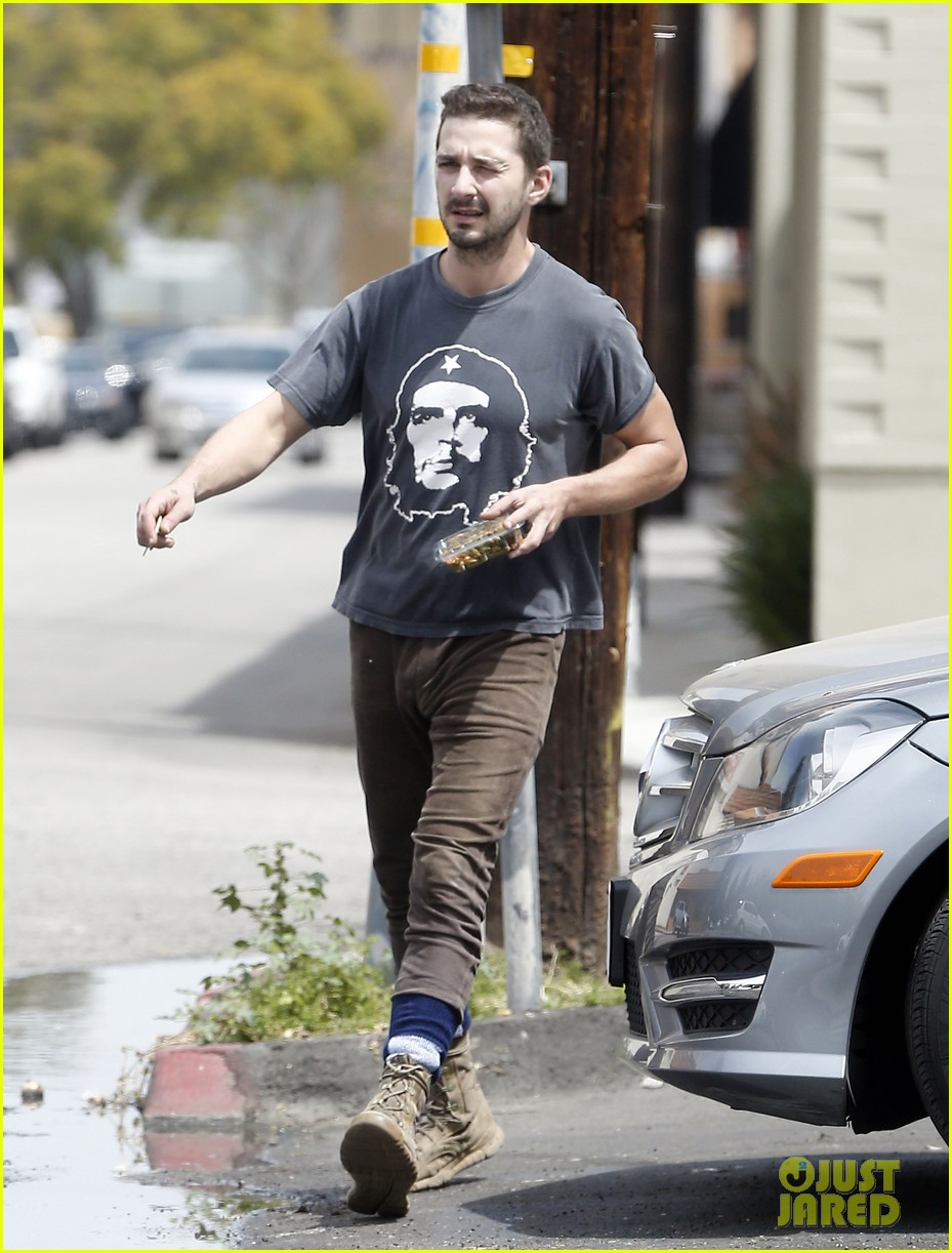shia labeouf reportedly bought lunch for a homeless man 083094454