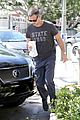sarah michelle gellar runs errands with hubby freddie prinze jr 11