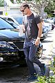sarah michelle gellar runs errands with hubby freddie prinze jr 16