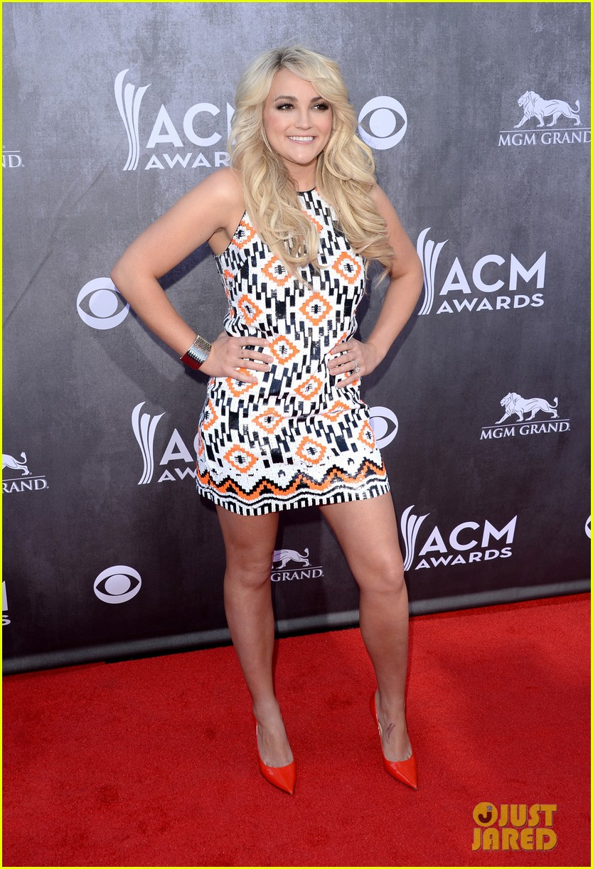 jamie lynn spears new hubby jamie watson are picture perfect at acm awards 2014 093085718