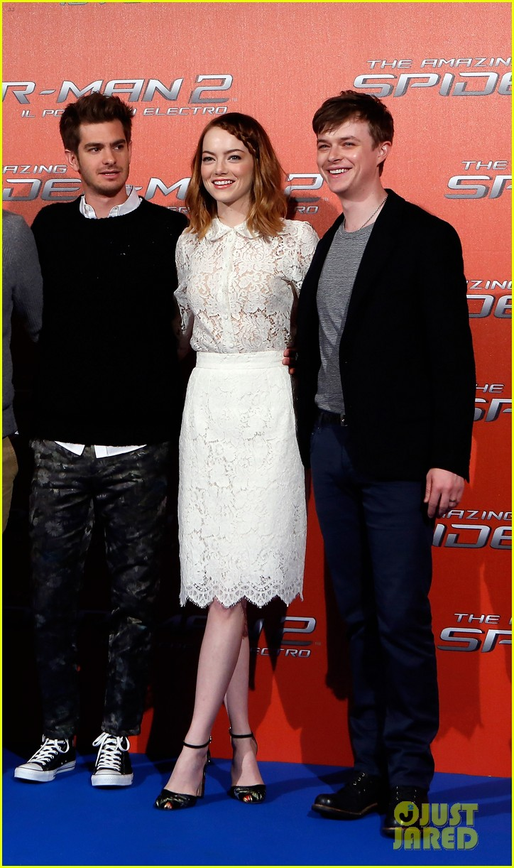 emma stone braids her hair spider man 2 rome photo call 053091748