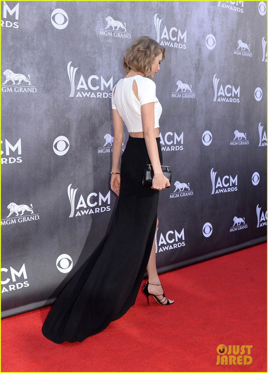 taylor swift acm awards 2014 red carpet 133085800