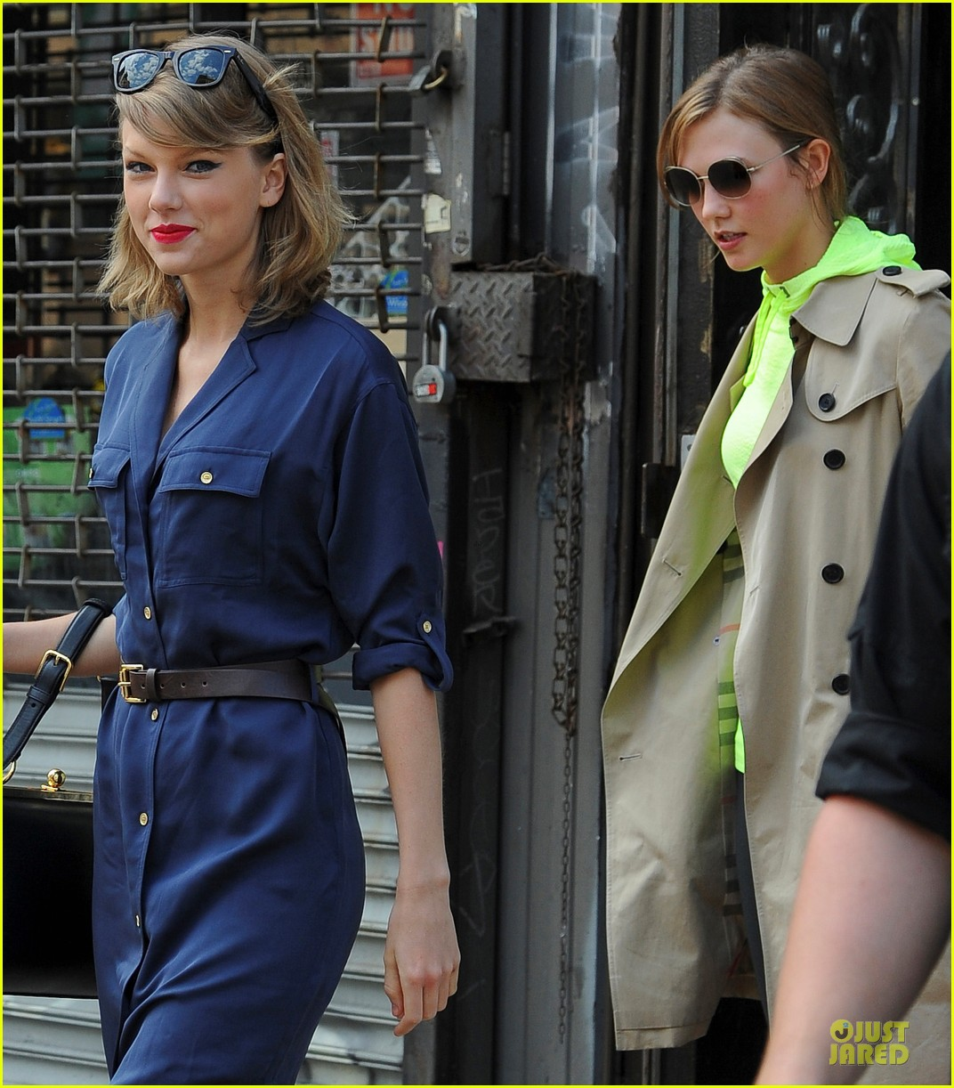taylor swift hanging out with karlie kloss 023099781