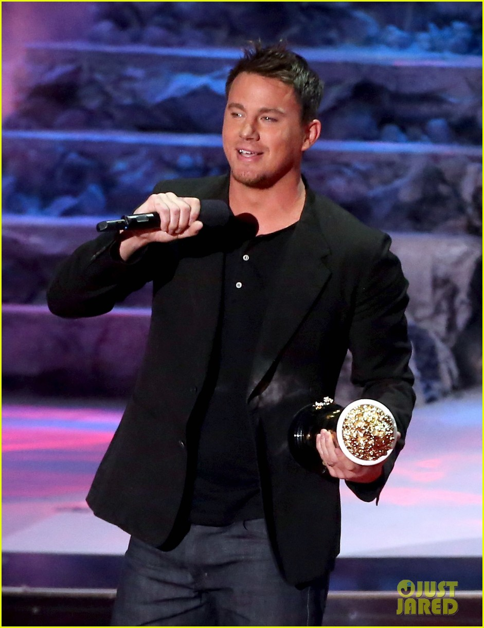 channing tatum wins trailblazer award at mtv movie awards 2014 07
