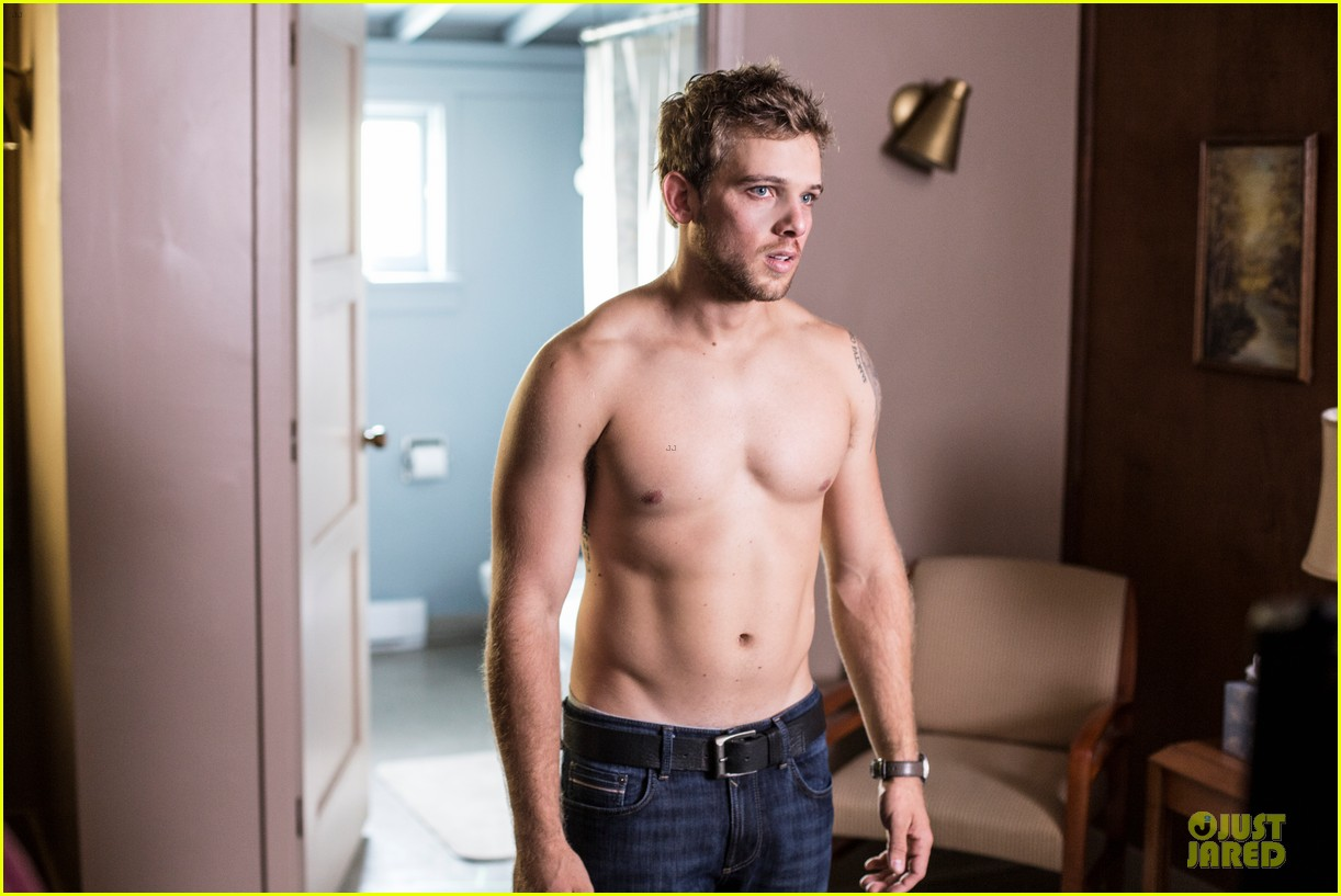 max thieriot talks shirtless scene in bates motel 02