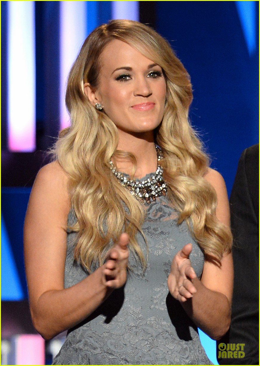 carrie underwood salute the troops 203086785