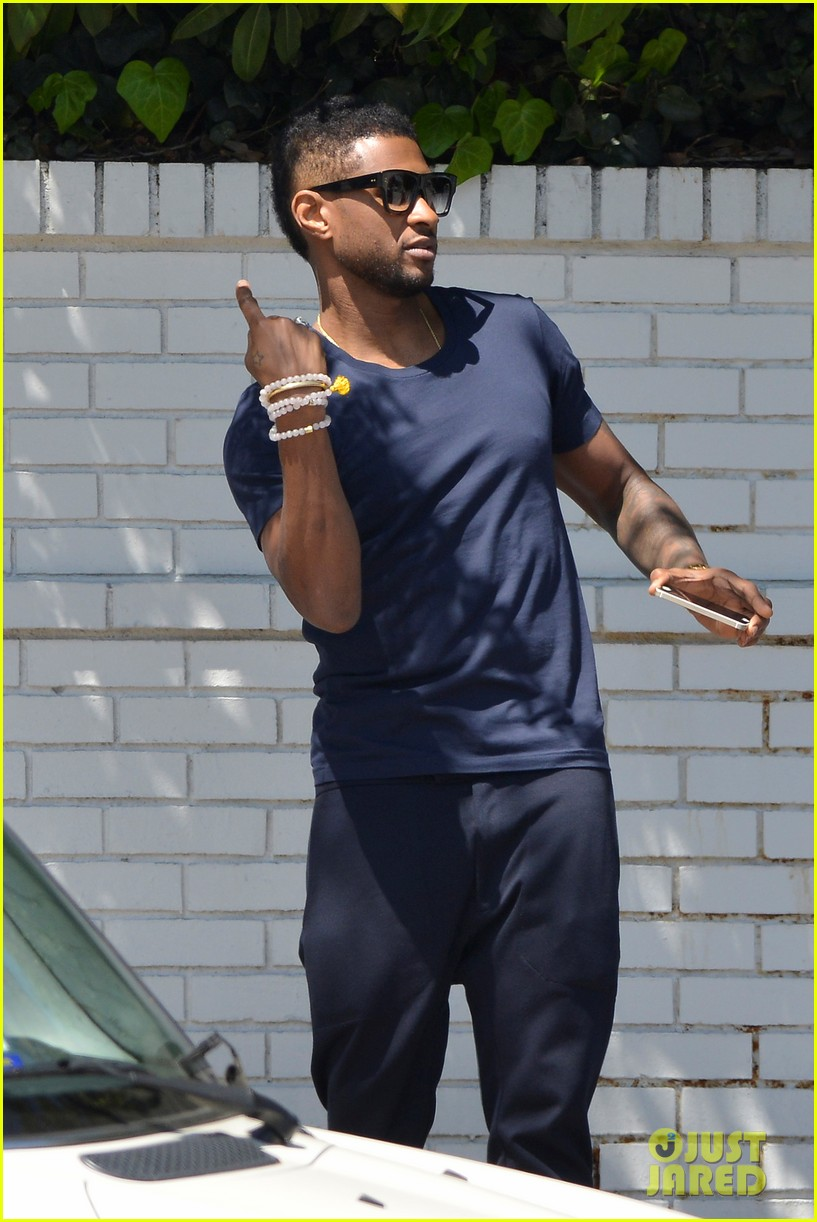usher picks his the voice team headed to live shows 023093386