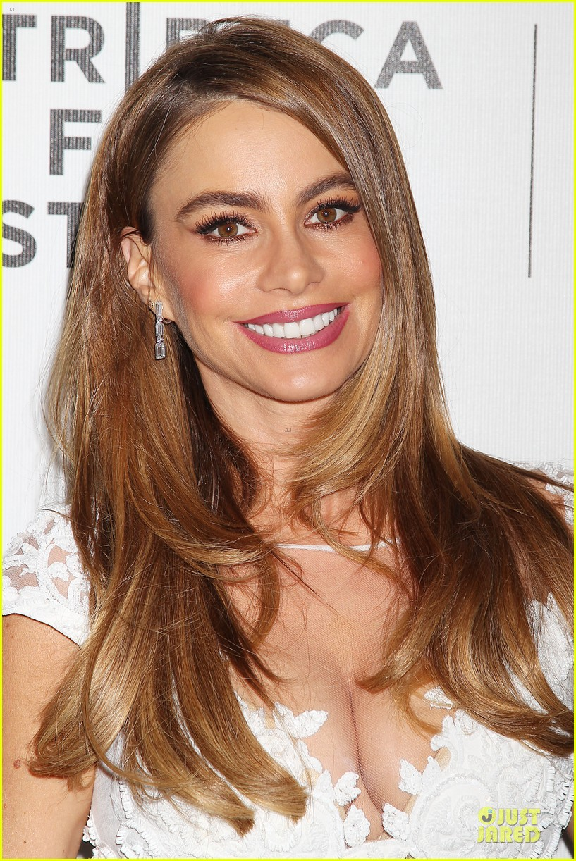 sofia vergara jon favreau premiere chef at tribeca 133097124