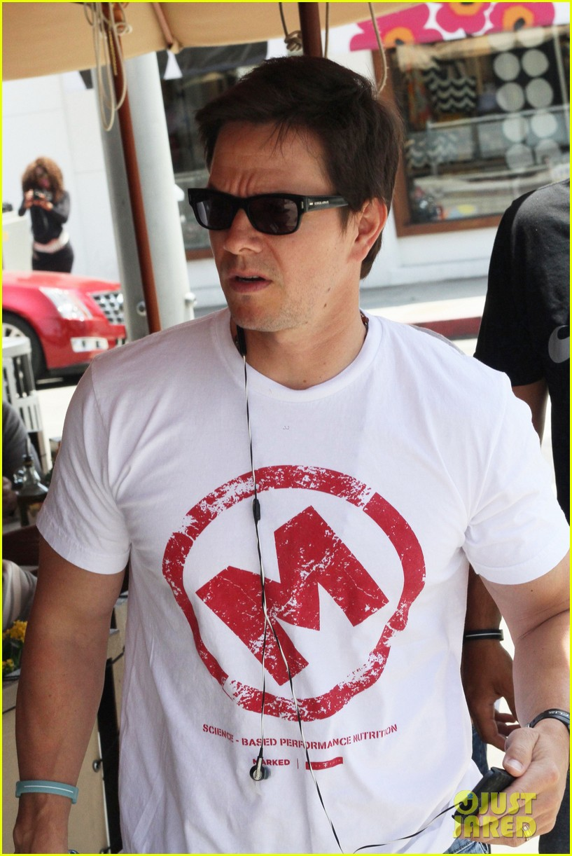 mark wahlberg named in a lawsuit over pain gain character find out why 043097374