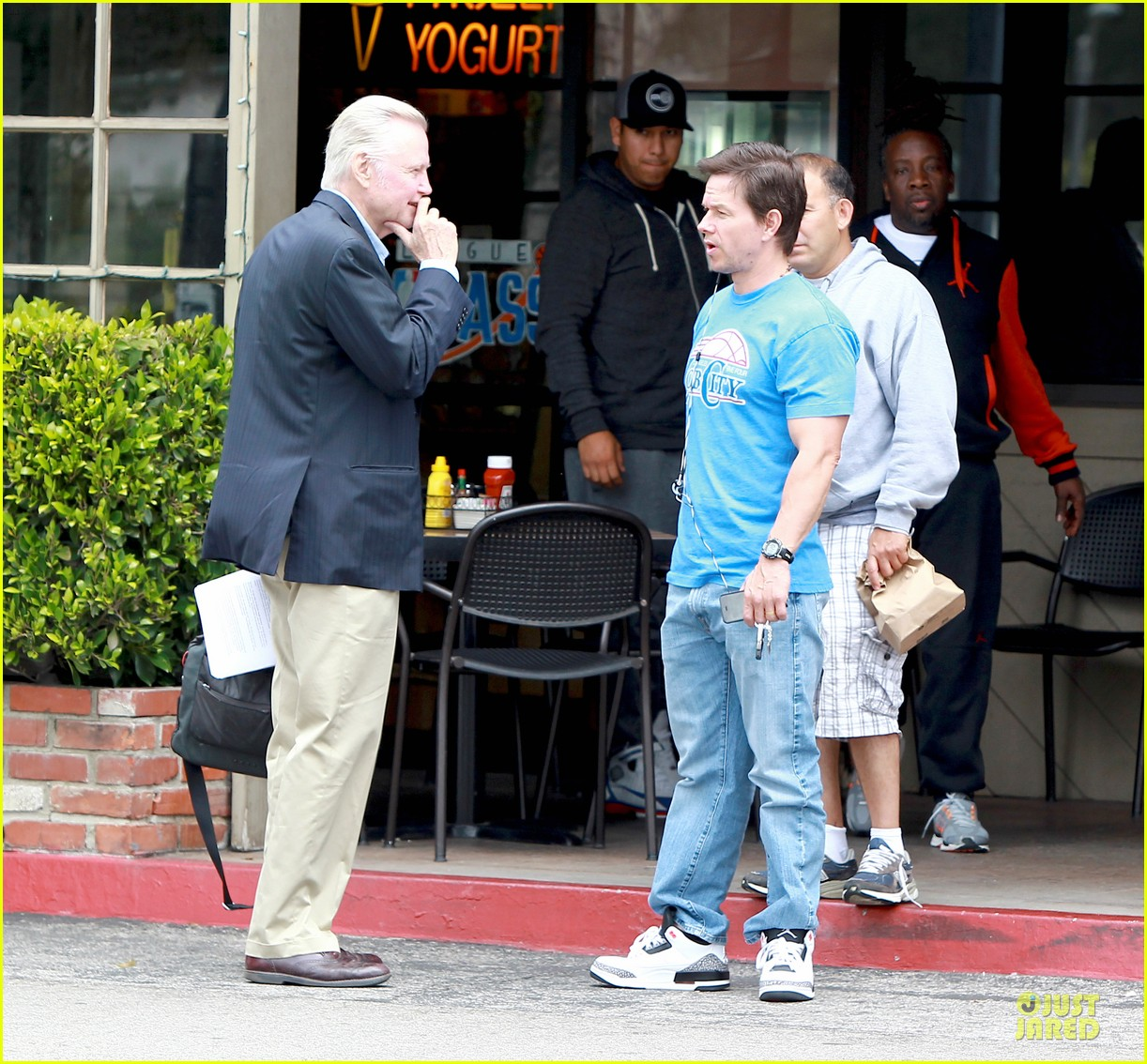 mark wahlberg meets up with jon voight 13