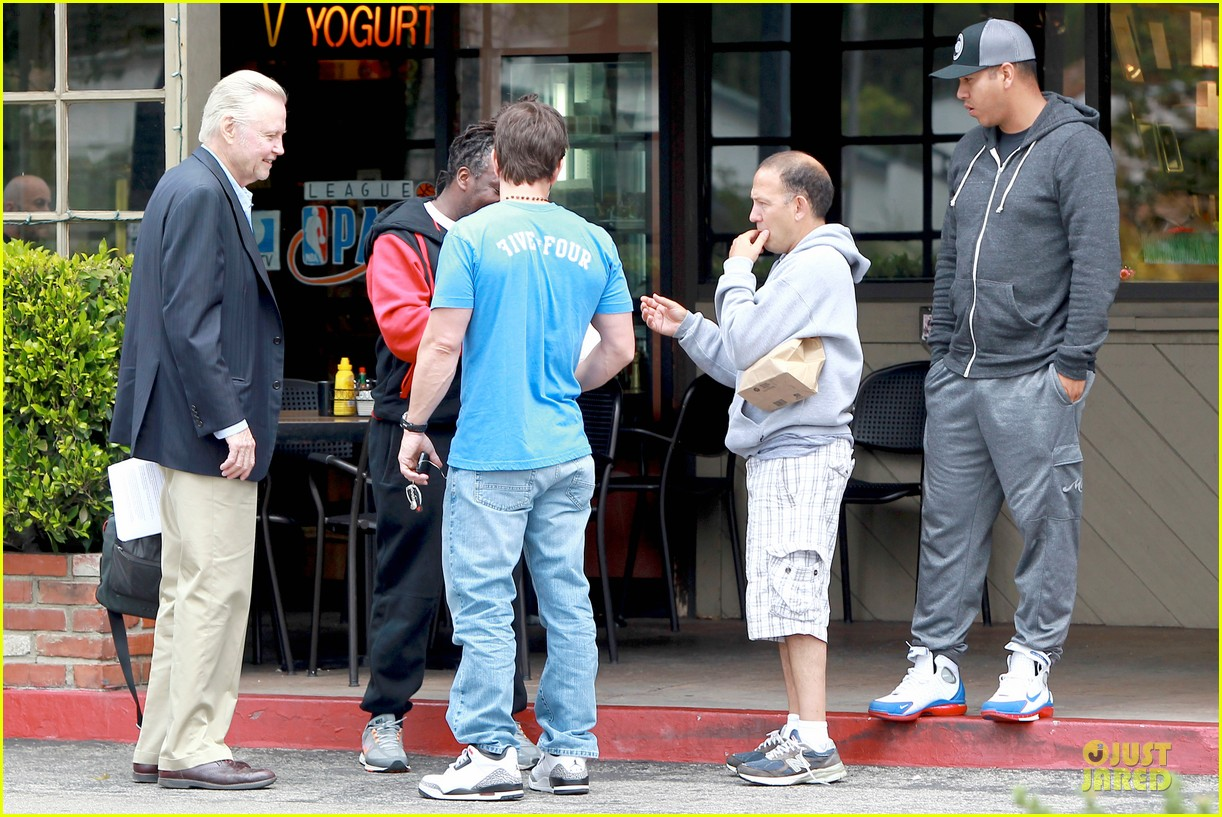 mark wahlberg meets up with jon voight 143099749