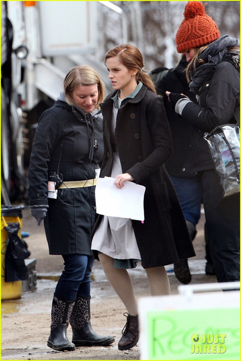 emma watson celebrates 24th birthday on regression set 03