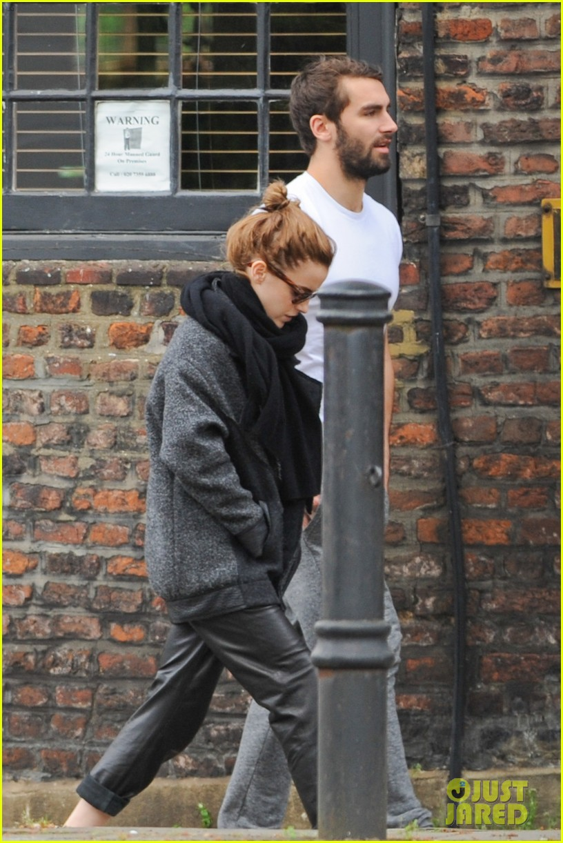 emma watson spends weekend with boyfriend matthew janney 073100858