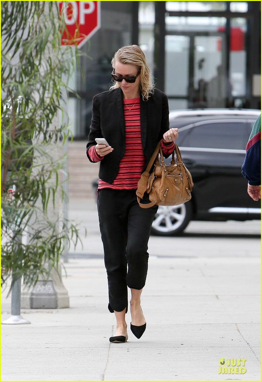naomi watts style pop with red 10