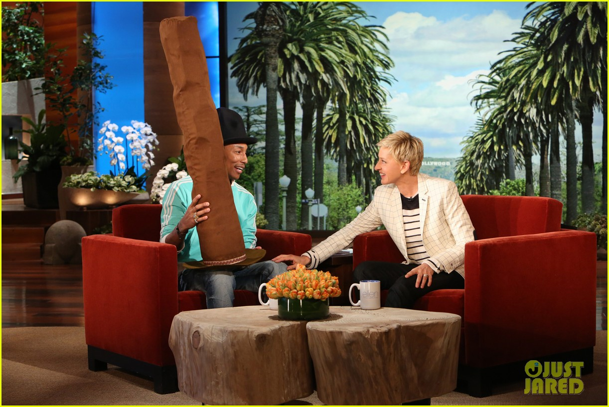 pharrell williams gives ellen degeneres special hat 023088194