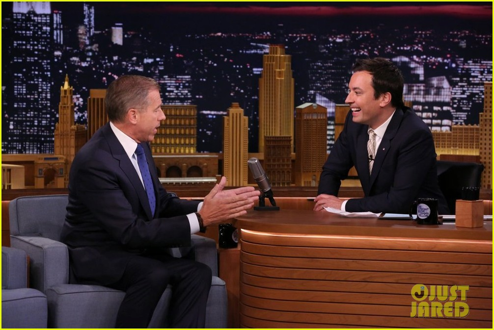 brian williams raps gin juice on fallon 01