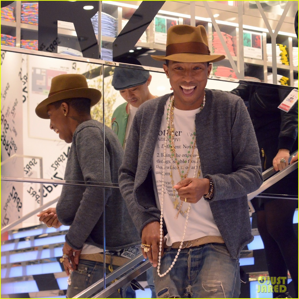 pharrell williams launches i am other collection at uniqlo 033101480