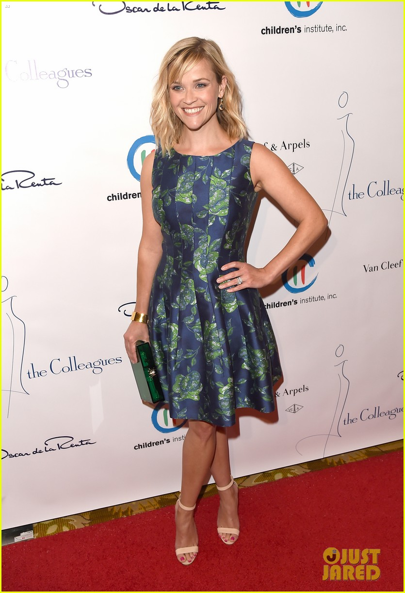 reese witherspoon mingles with a princess 16