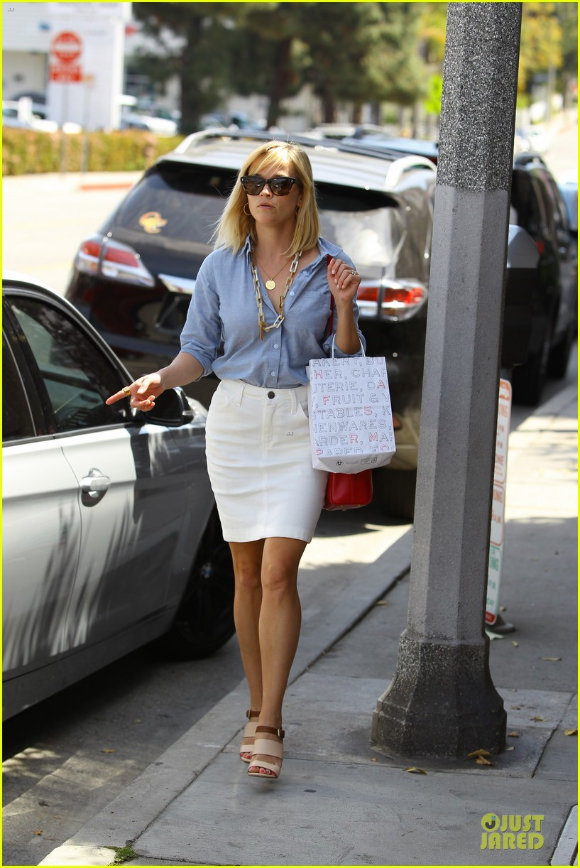 Full Sized Photo of re... Reese Witherspoon