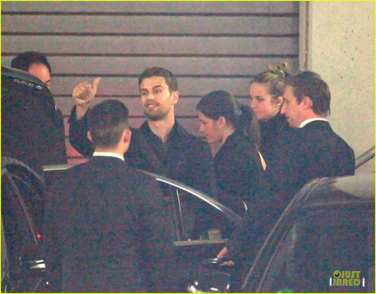 shailene woodley theo james hotel exit at night 133083561