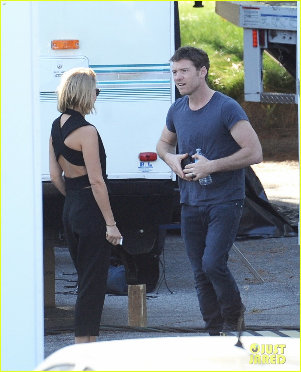 sam worthington visit from lara bingle on cake set 083090905