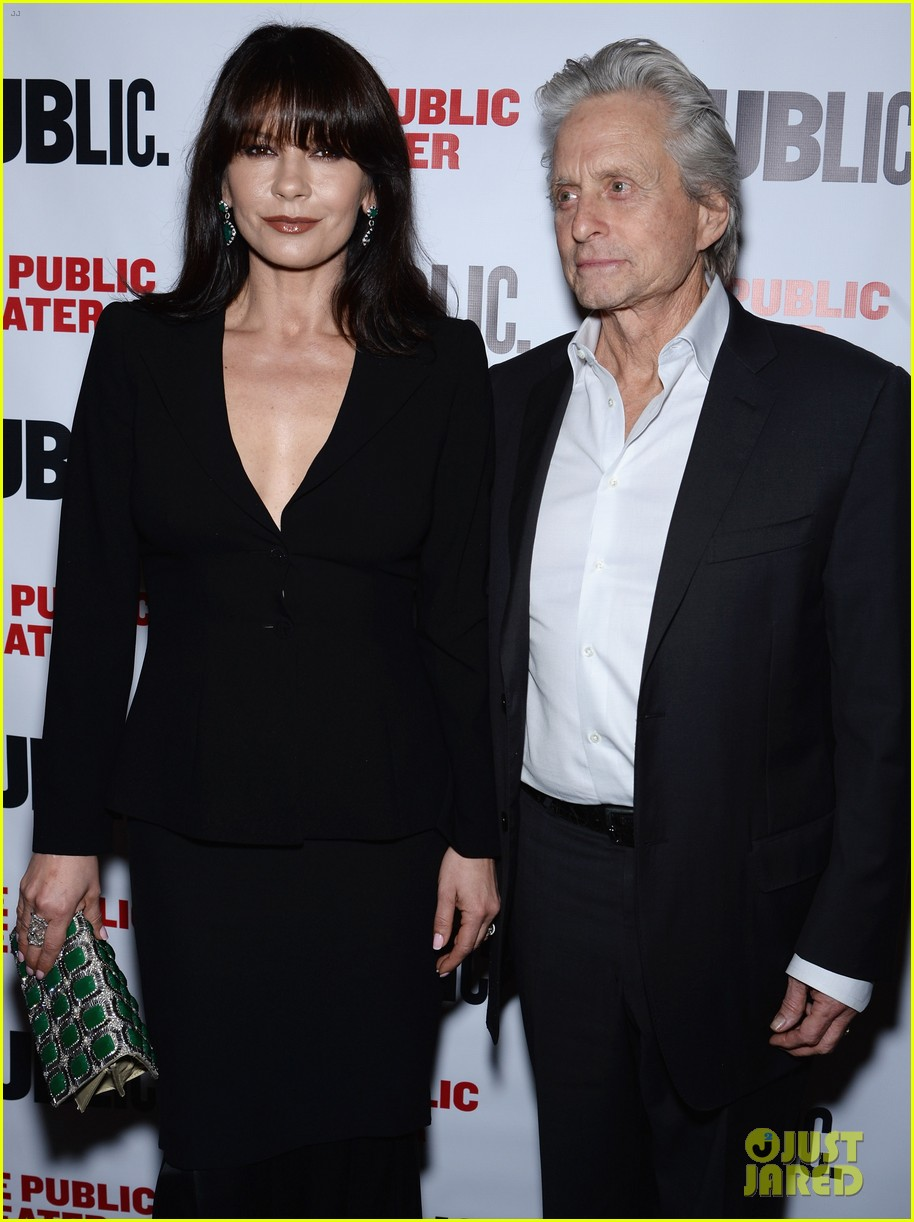 catherine zeta jones michael douglas rare red carpet appearance 093092884