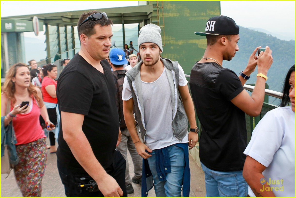 one direction visit christ redeemer statue 063107897