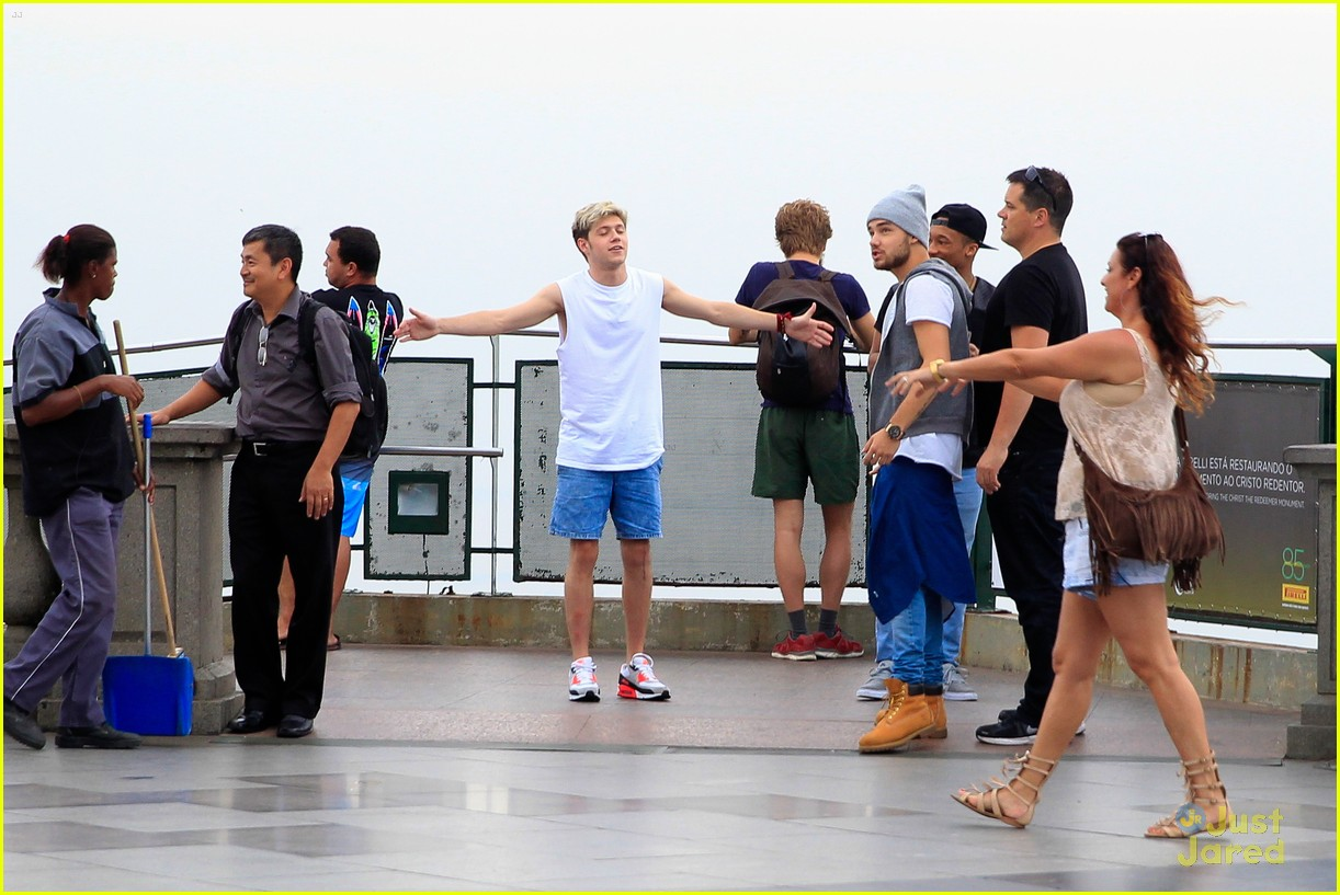 one direction visit christ redeemer statue 21