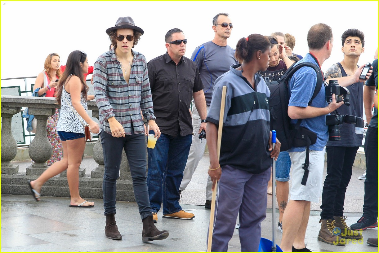 one direction visit christ redeemer statue 293107920