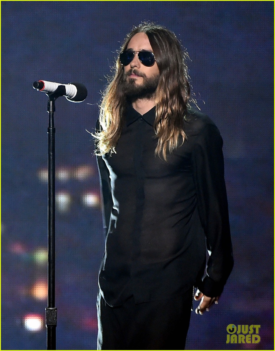 30 seconds to mars perform city of angels iheartradio 03