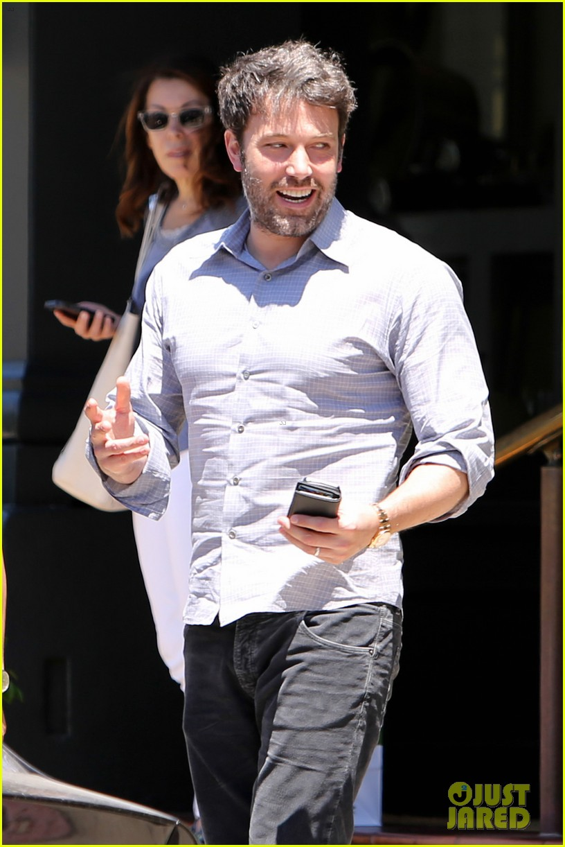 ben affleck reportedly banned from casino for counting cards 083104312
