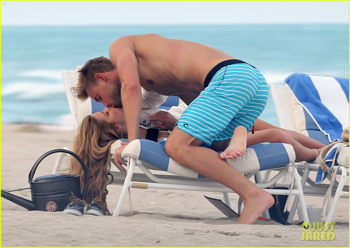 nina agdal reid heidenry making out 13