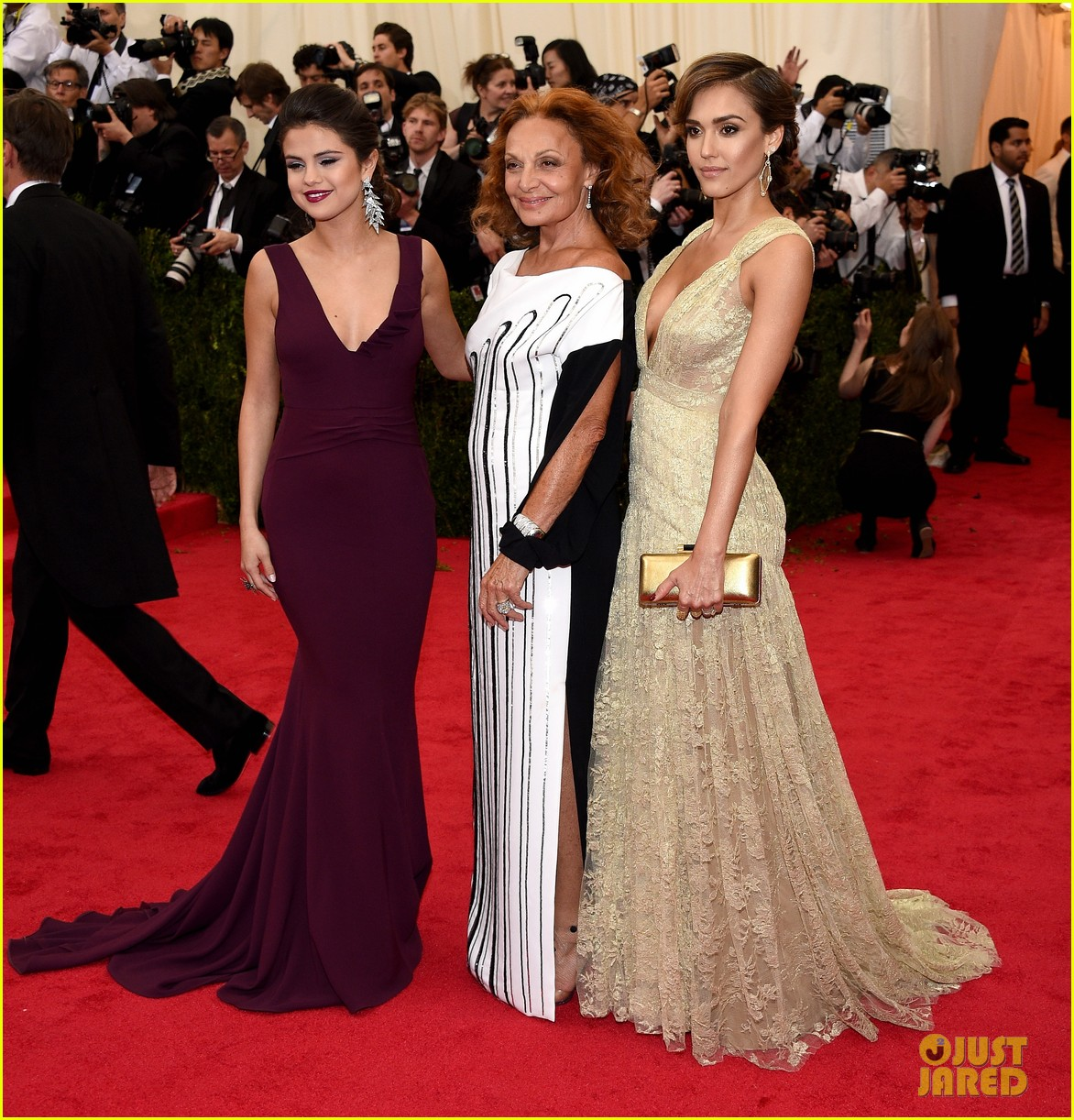 jessica alba cash warren met ball 2014 05
