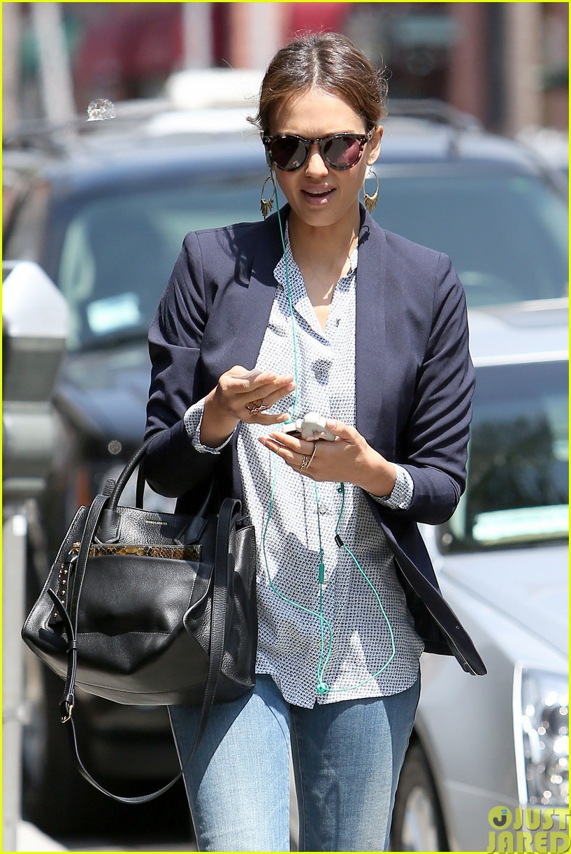 jessica alba teams up with zico coconut water23