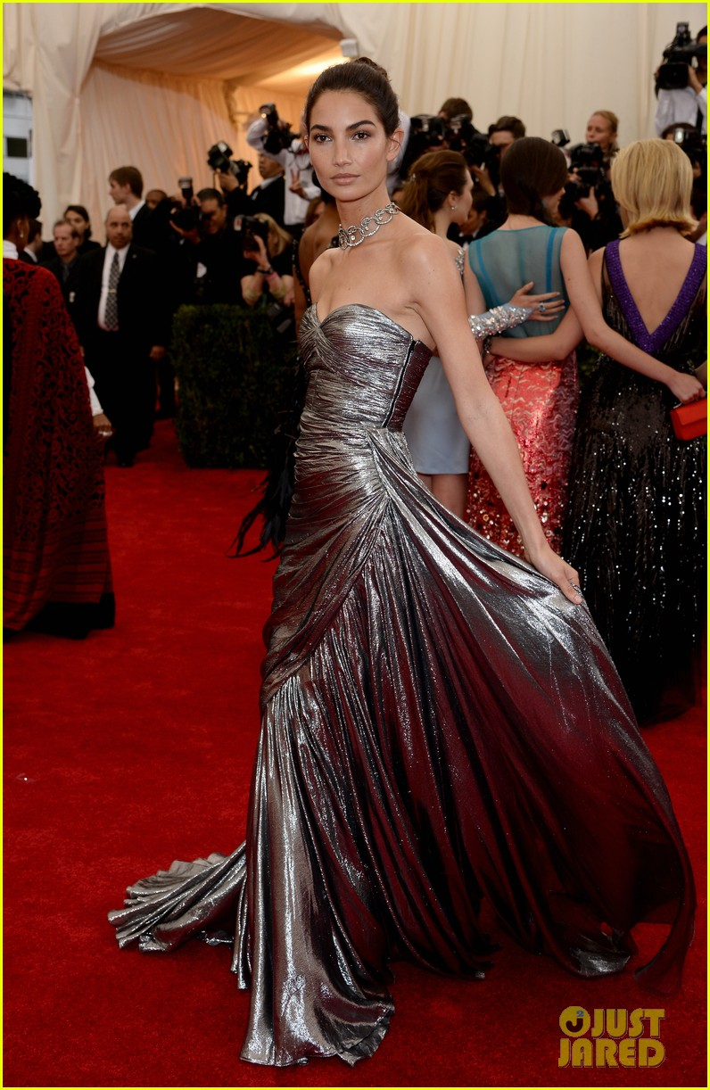 lily aldridge is wrapped in silver at met ball 2014 01