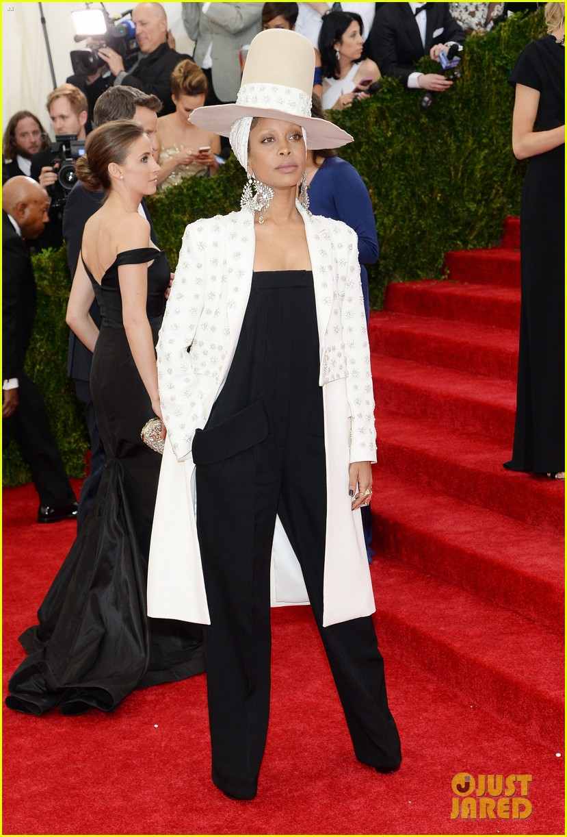erykah badu hat met ball 2014 red carpet 04