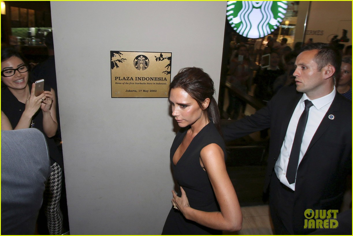 victoria david beckham spend time on separate continents 06