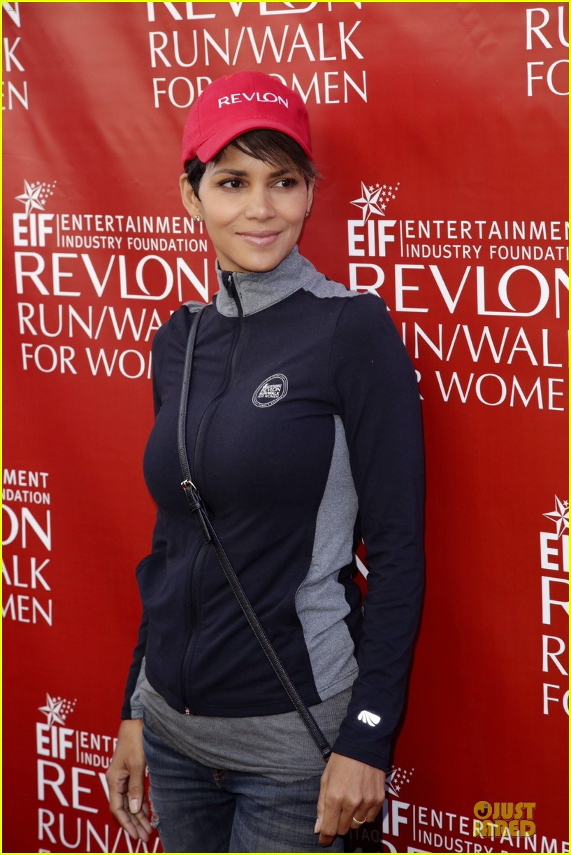 halle berry bruce willis wif revlon run 16