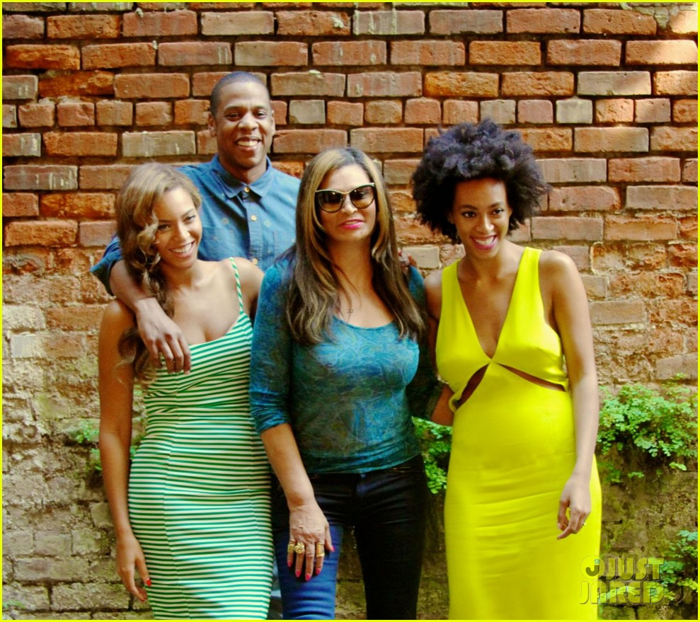 beyonce jay solange smile wide in new family photo 053117389