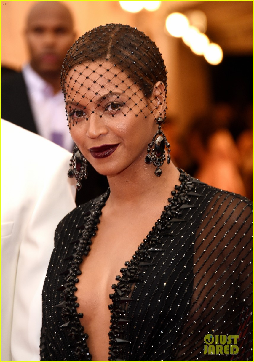 beyonce jay z ring met ball 2014 083106321