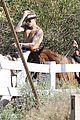 justin bieber shirtless horseback ride 16